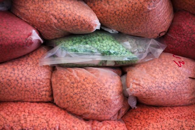Pescadores encontram sacos de metanfetamina avaliados em US$ 20 milhões em Mianmar