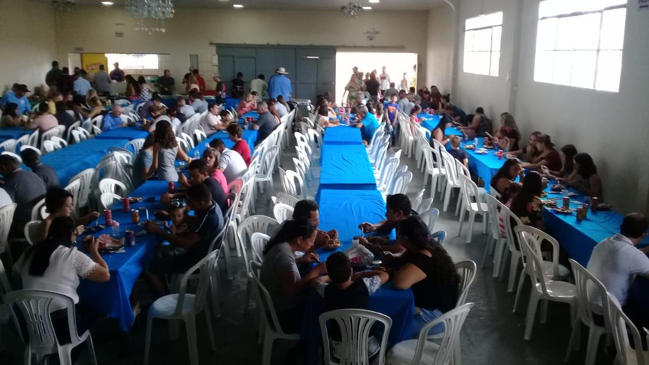 Evento do Clube do Gordo reúne mais de 200 pessoas