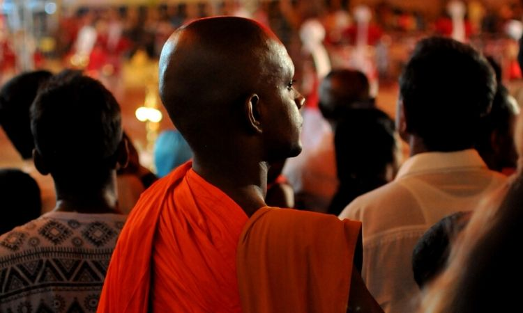 Monges budistas tentam proibir o Natal no Sri Lanka