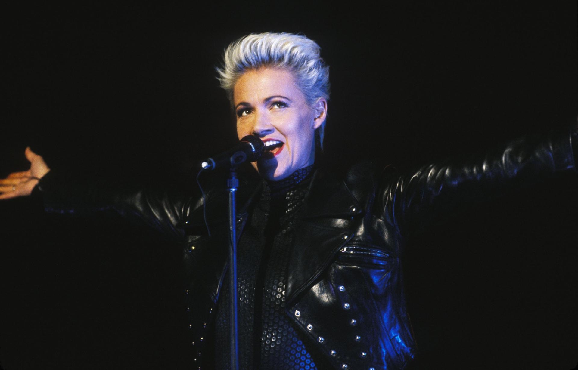 Famosos lamentaram a morte da vocalista do Roxette